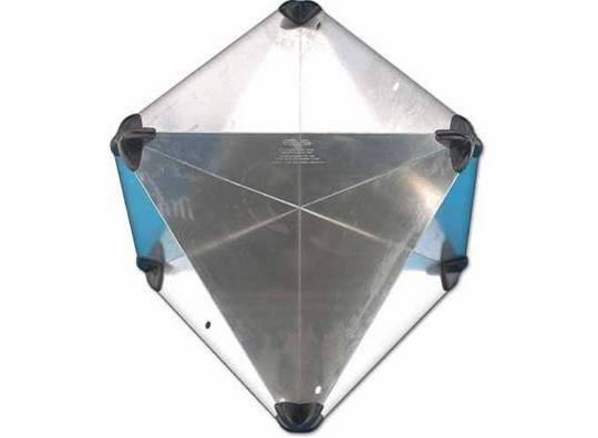 Reflector de radar romboidal