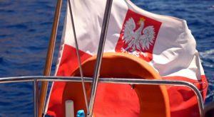Barco con Bandera Polaca